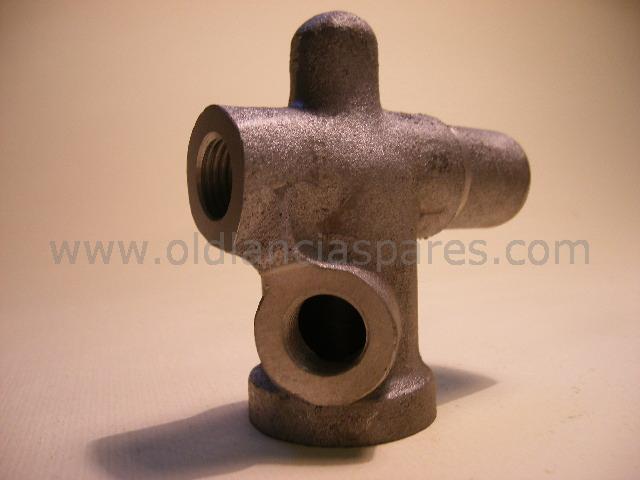 250-4070 - Raccordo pompa acqua