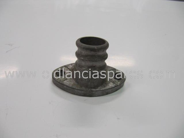 38-75557 - lower radiator pipe 1350