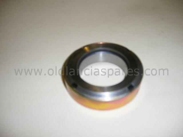 81300392 - clutch bearing