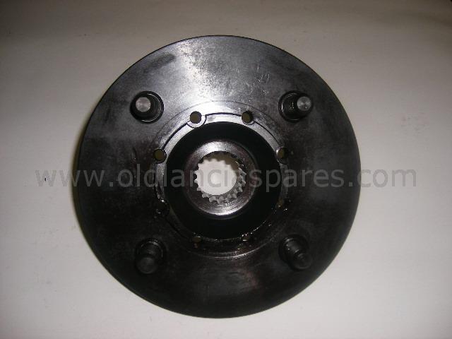 81690268 - hub front wheel