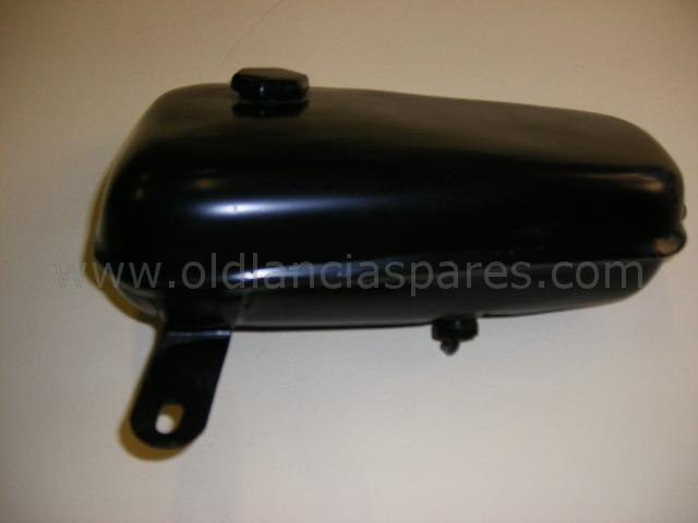 81702225 - reservoir windscreen sprayer