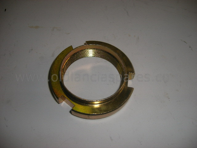 82007017 - rear ring nut