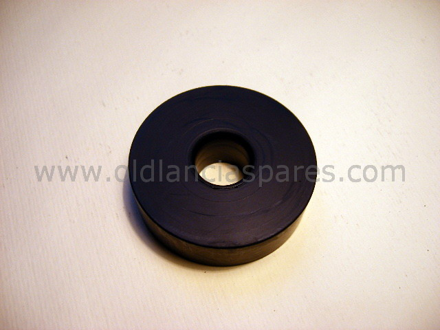 82125806 - Rubber lower engine support