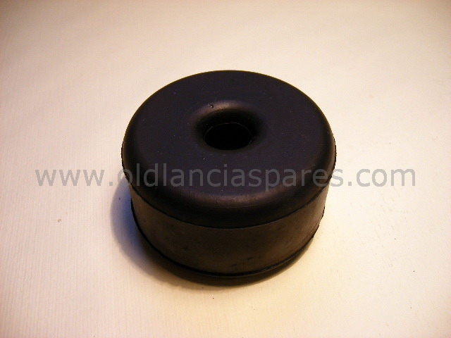82125808 - Rubber gear support