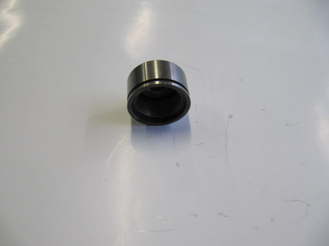 82126889 - cup outer joint