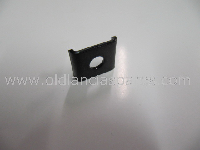 82139185 - plate hanger exhaust spring