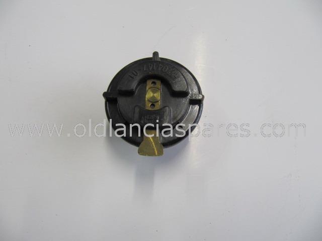 82163337 - distributor rotor