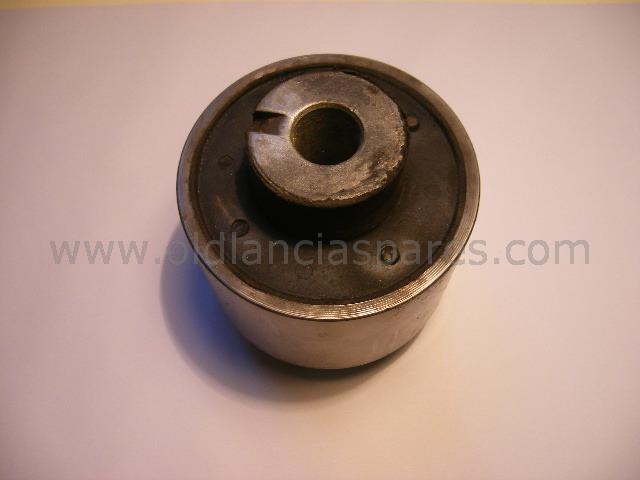 82172157 - Tassello sostegno motore centrale
