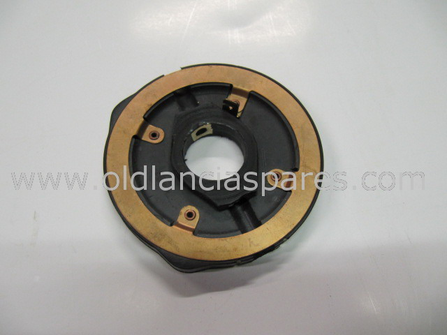 82195679 - headlamp contact